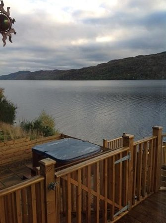 Loch Ness Highland Lodges: view over loch from lodge & hot tub