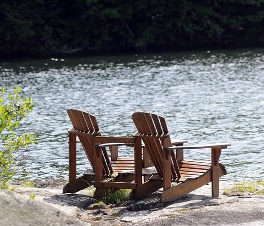 Sherwood Inn: Set of Muskoka Chairs