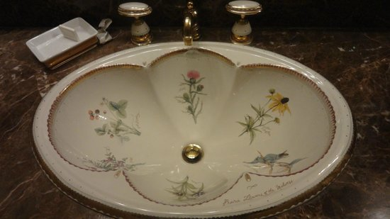 Christie's Mill Inn and Spa: washroom sink