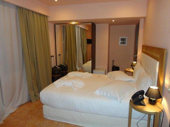 Athens Lotus Hotel : Zimmer