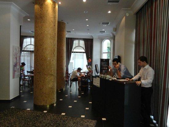 Athens Lotus Hotel: Lobby