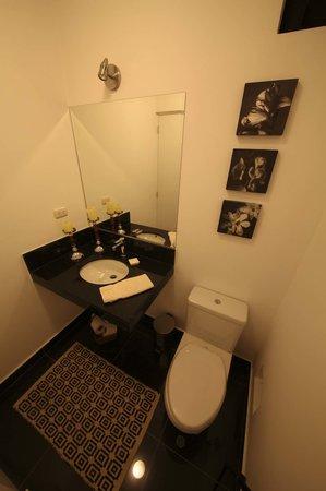 Pucllana Lodge: baños
