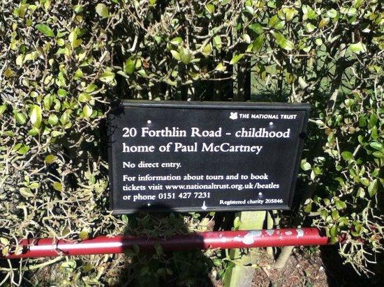 20 Forthlin Road - La casa de McCartney: Cartel con descripción