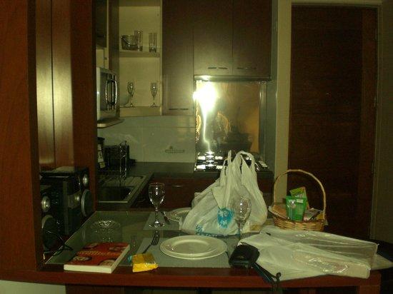 Chile Apart Hotel : Cozinha bem equipada