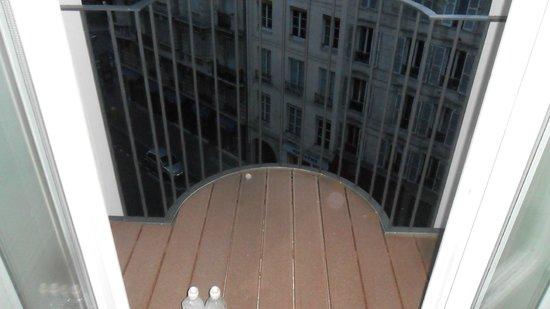 Mercure Paris Notre Dame Saint Germain des Pres : Balconcino