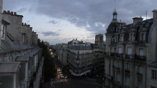 Mercure Paris Notre Dame Saint Germain des Pres : Rue Saint-Jacques.