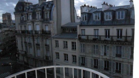 Mercure Paris Notre Dame Saint Germain des Pres : Veduta