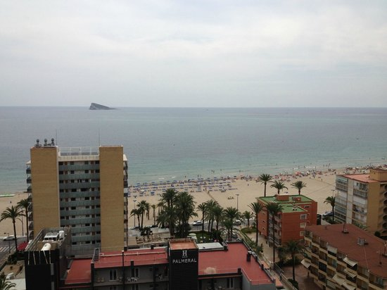 Apartamentos El Faro : close to the beach