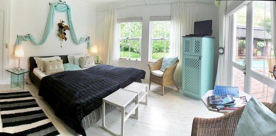 Von Abercron Residence: Tuscan Bedroom