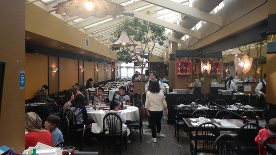 Silver Dragon Restaurant: View of the interior of Silver Dragon