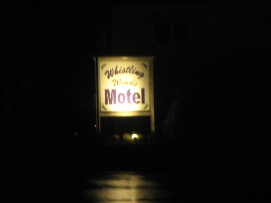 Whistling Winds Motel: name