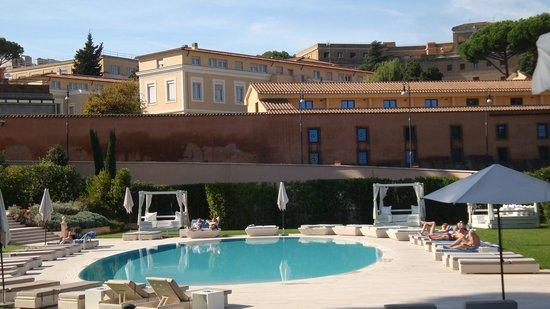 Gran Melia Rome: piscina