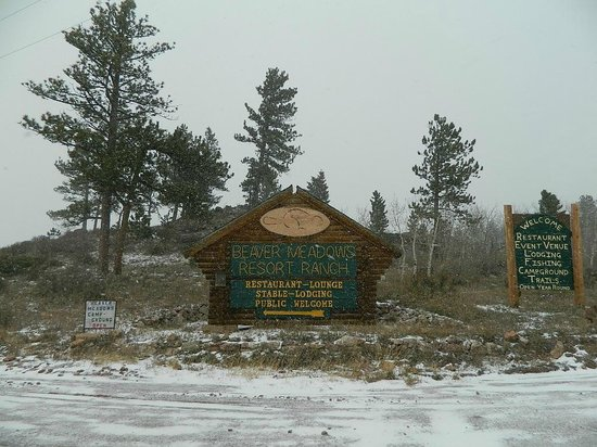 Beaver Meadows Resort Ranch : At the entrance to the facility