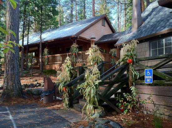 Evergreen Lodge at Yosemite: The Recreation Room