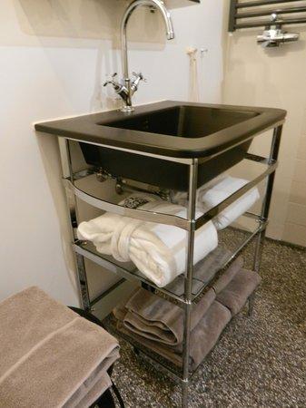 Hotel V Nesplein : washroom