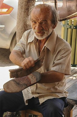 Kas Pazar Market: Shoeshine