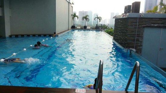 HARRIS Suites FX Sudirman: The Pool on the 10th floor