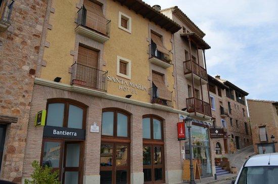 Hotel Santa Maria de Alquezar: fachada do hotel