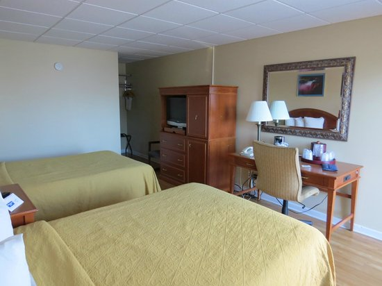 Rodeway Inn Niagara Falls: Habitación