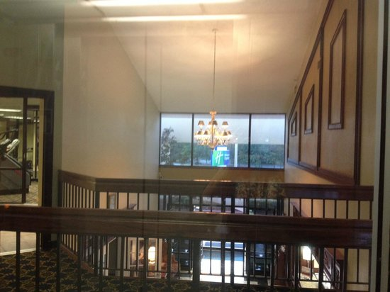 Days Inn & Suites Tahlequah: lobby