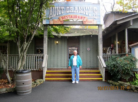 Tremendous Aunt Grannys All You Can Eat Buffet Pigeon Forge Download Free Architecture Designs Scobabritishbridgeorg
