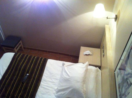 Hotel Artéa : Chambre lit