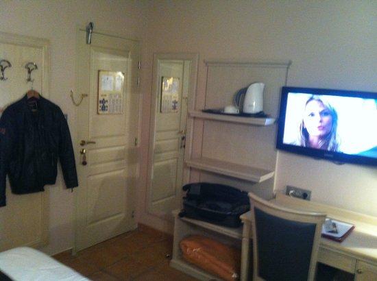 ... conception pour les chambre simple hotel definition : Chambre simple
