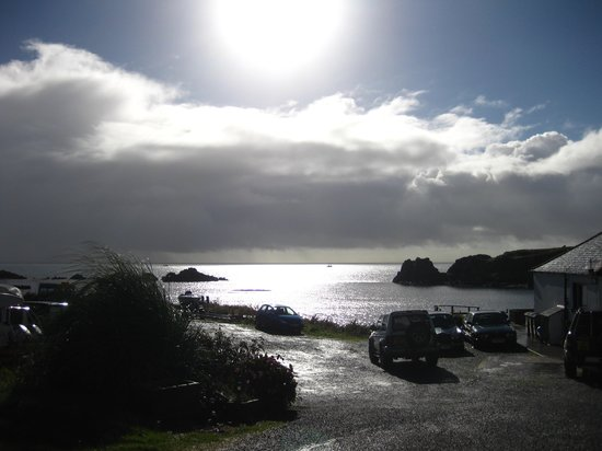 The Islay Hotel: Taken during the walk from the Hotel to Lagavulin