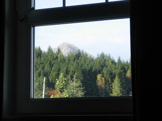 Auchrannie Resort : The view of Goat Fell from room 212
