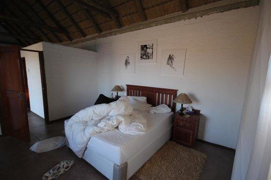 Grootberg Lodge: Vue de la chambre