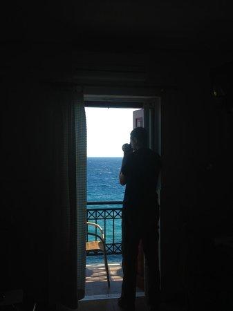 Sunrise Beach Hotel: Утренний вид из номера