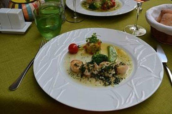L'Arome : Scallops main course