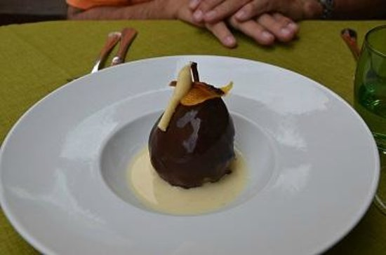 L'Arome : poached pear covered with chocolate