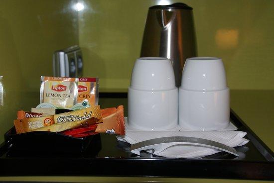 Radisson Blu Hotel Uppsala: Make your own coffe or tea.