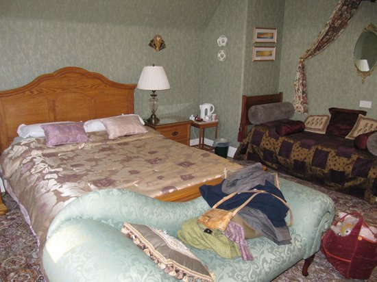 Corriemar Guest House: our lovely bedroom.