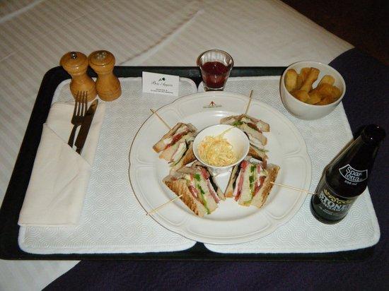 Ole Sereni: Club sandwich - classic room service choice