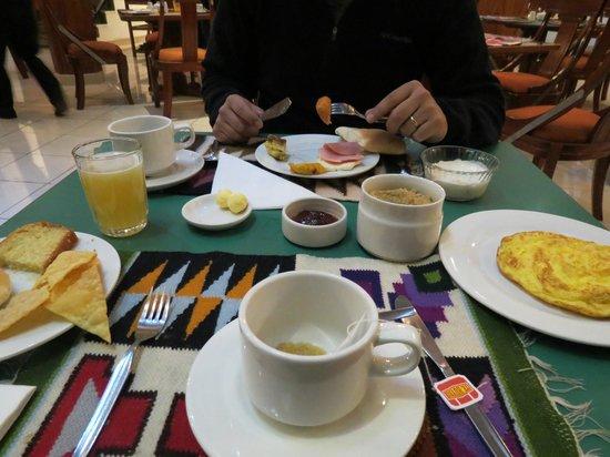 Royal Inka I : Desayuno