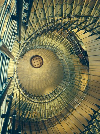 The Westin Warsaw: Magnificent staircase