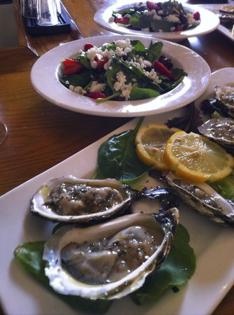Keltic Lodge Resort & Spa : Oysters and Spinach Salad Lunch at the Keltic Lodge, Cape Breton, Nova Scotia