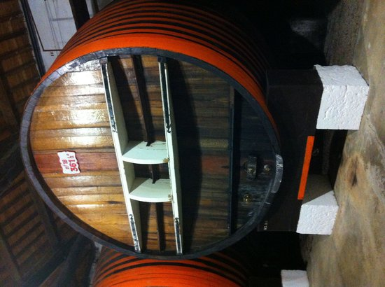 Noilly Prat : 36000 litre oak barrel