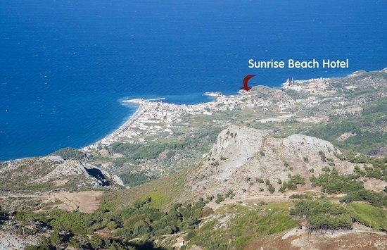 Sunrise Beach Hotel : Вид на отель с вершины горы Lazarus