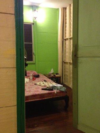 Bangkok House Guest House: Habitacion