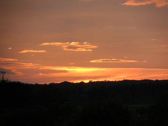 Residence & Conference Centre - King City : beautiful sunsets