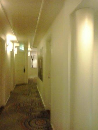 BEST WESTERN Hotel City : corridoio