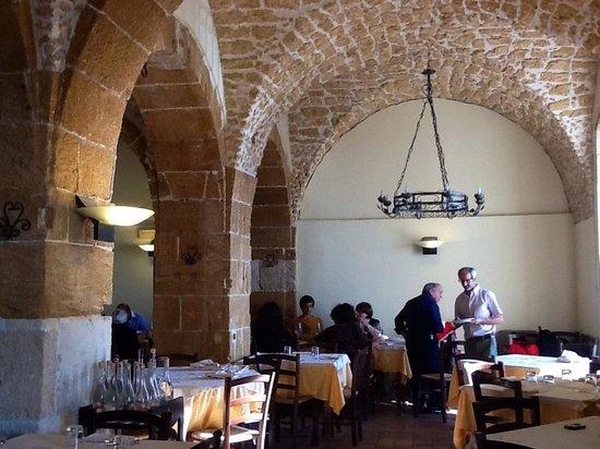 Ristorante La Cambusa: Inside