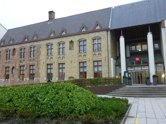 Ibis Brugge Centrum: Façade
