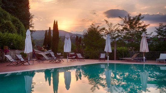 Il Gavillaccio: sunset from the pool
