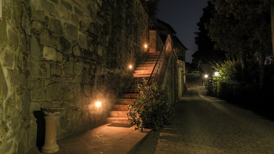 Il Gavillaccio: stairs to the reception/apartments