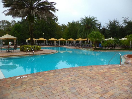Tuscana Resort Orlando by Aston : Pool area, clean and tidy, open until late