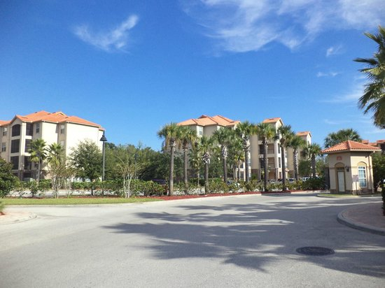 Tuscana Resort Orlando by Aston : View from entrance